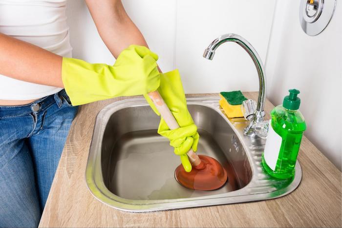 Отпушване на канали в кухня